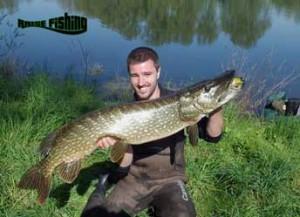 gros brochet pris sur freddy 210 www.raisefishing.com l'expérience de la pêche